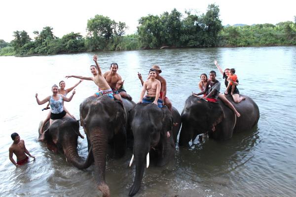 ปางช้างเผือก กาญจนบุรี